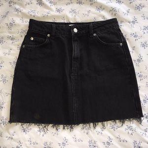 Size 4 Topshop Black Denim Skirt